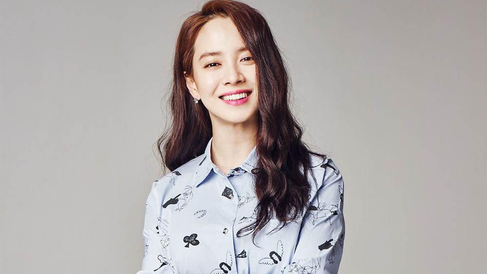 Song Ji Hyo habla de por qué le tiene miedo a los insectos y comparte planes para su carrera