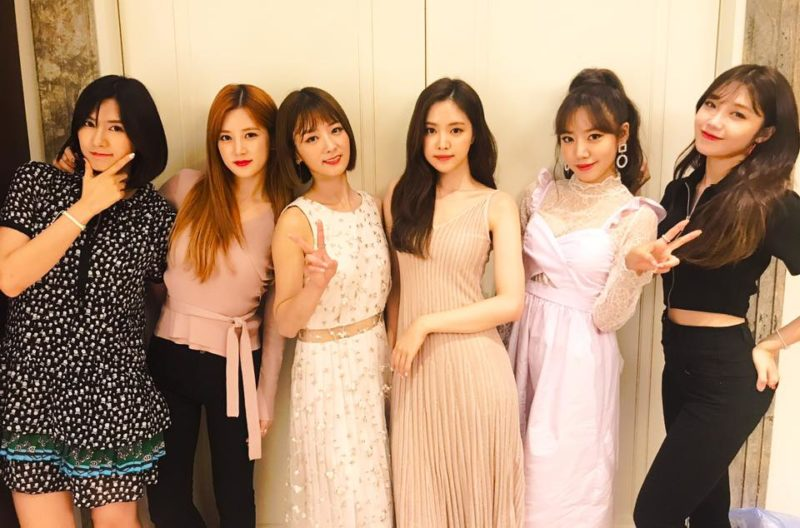 Apink anuncia el color oficial del grupo y sus fans