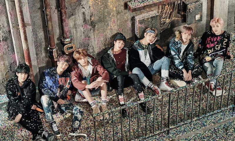 """BTS gana el """"International Artist Award"""" en los Teen Choice Awards"""