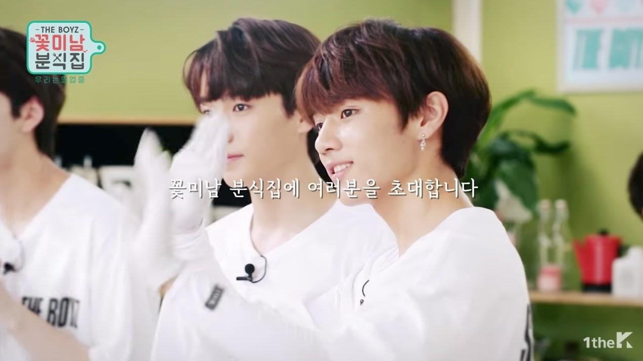 [Actualizado] The Boyz lucen sonrientes atendiendo a clientes en nuevo teaser para su reality show debut