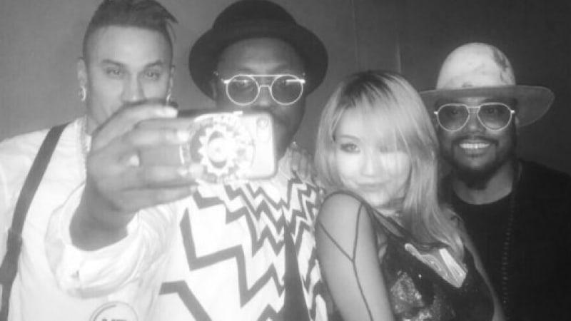 CL muestra su larga amistad con los Black Eyed Peas
