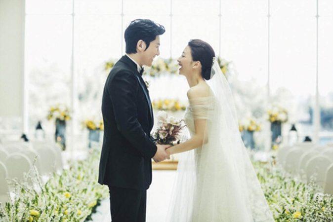Park Ha Sun y Ryu Soo Young dan la bienvenida a su primer bebé a este mundo