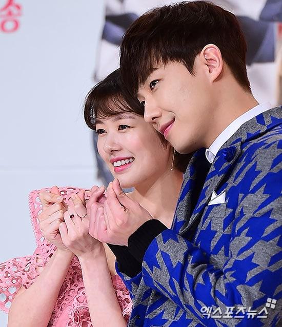 Lee Joon comparte por qué la posibilidad de ganar un premio a mejor pareja es algo agridulce