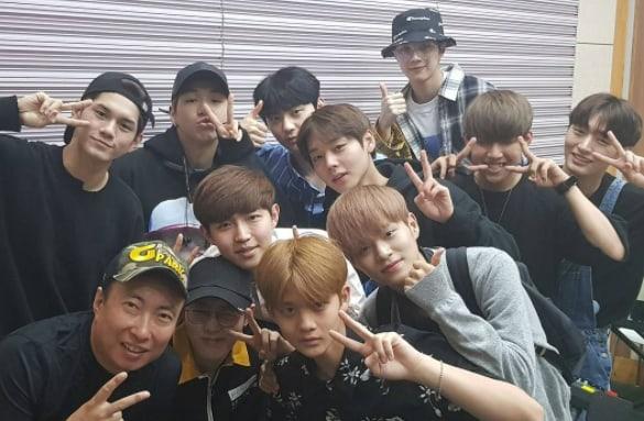 Wanna One completa con éxito su debut en la radio