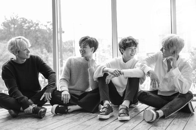 """El nuevo grupo masculino de MBK, IM, comparte vídeo musical para su canción """"Sad Story"""""""