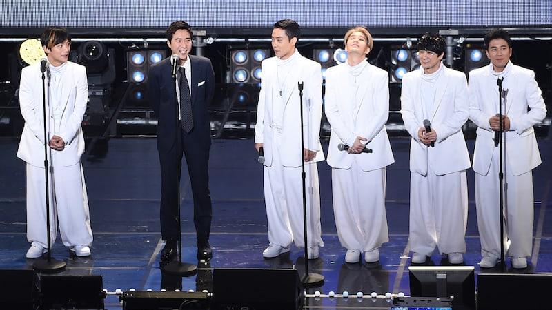 Go Ji Yong muestra apoyo por SECHSKIES en su concierto por vigésimo aniversario