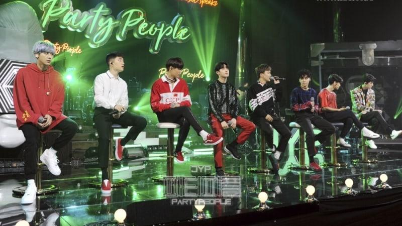 """EXO canta """"Boomerang"""" en vivo por primera vez"""