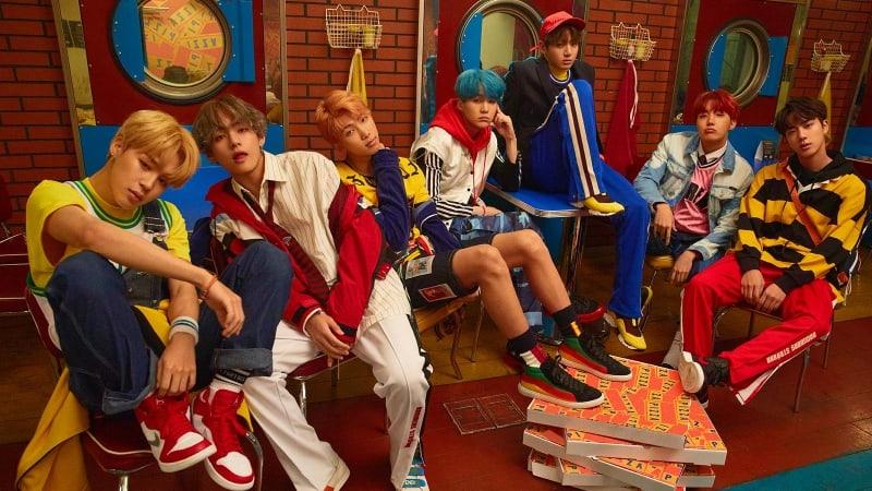 """BTS se eleva en el Hot 100 de Billboard con """"DNA"""" y rompe el récord para grupos K-Pop"""