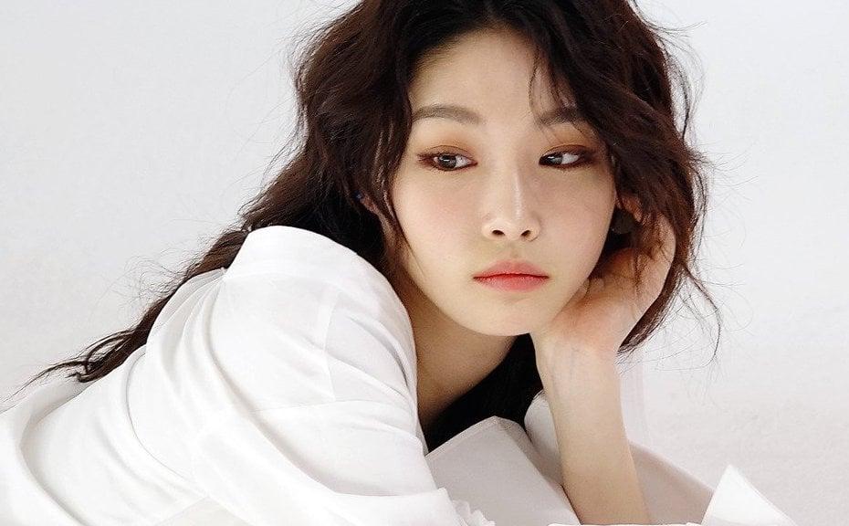 Se revela que Kim Chungha se prepara para un comeback