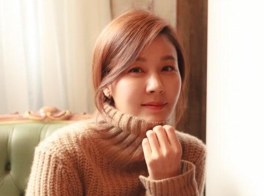 Se revela que Kim Ha Neul está embarazada de su primer hijo