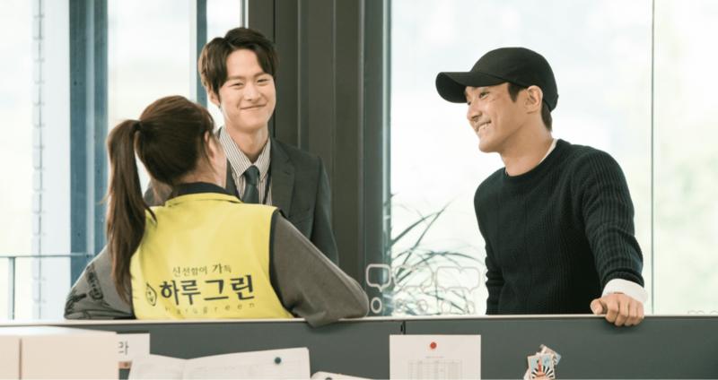 "Choi Siwon, Kang Sora y Gong Myung son todo sonrisas en el set de ""Revolutionary Love"""