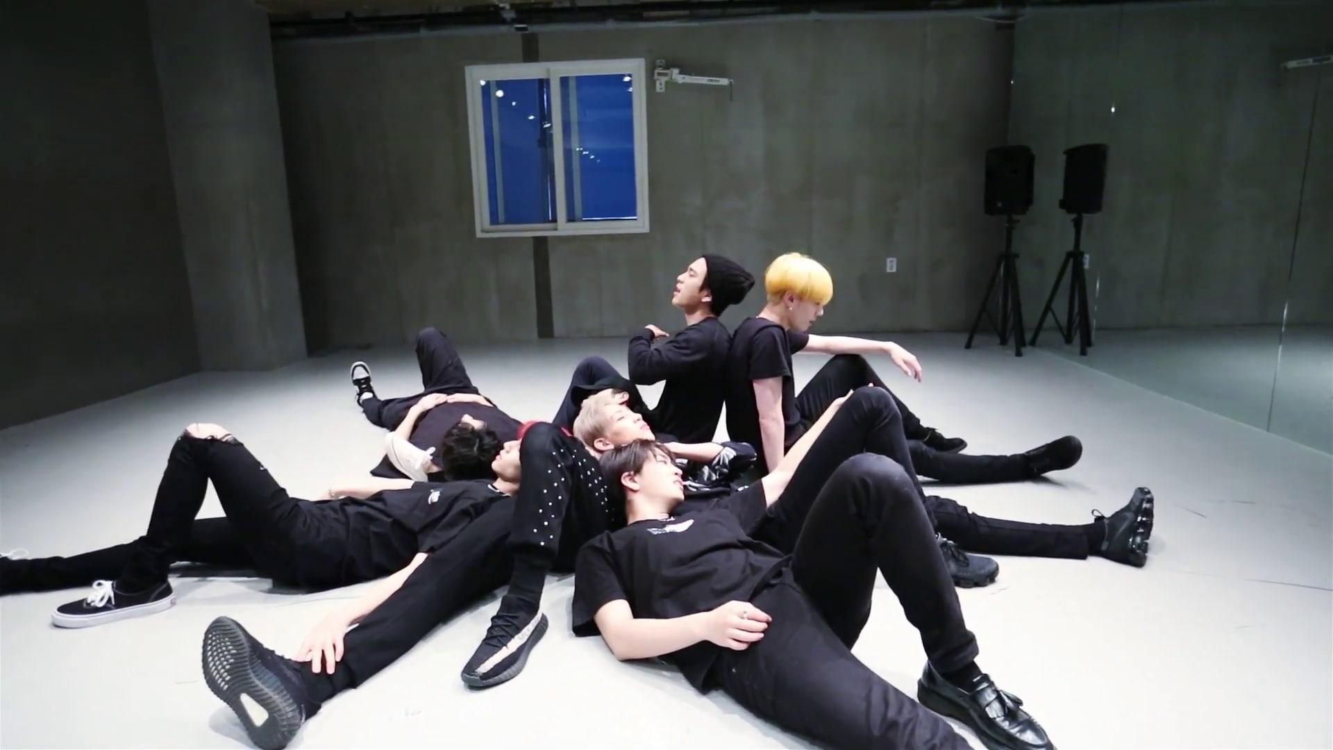 """GOT7 muestra impresionantes movimientos de baile en el vídeo práctica de """"You Are"""""""