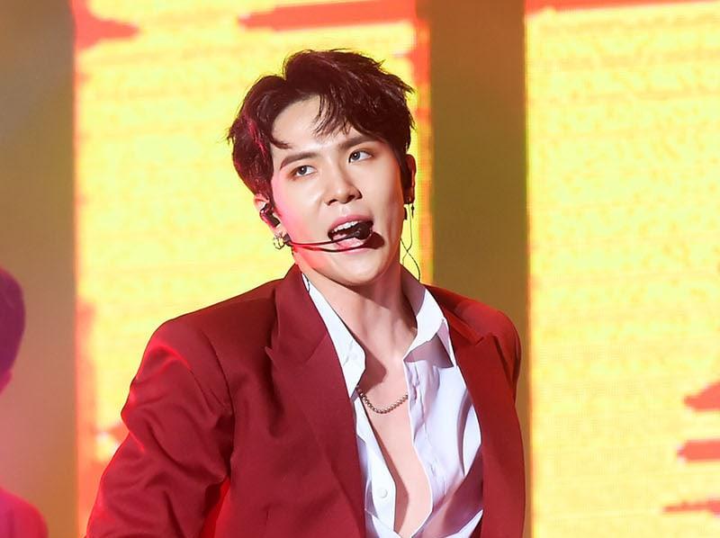 Kim Dong Han de JBJ cuenta que su pelo salió ardiendo durante la grabación del MV