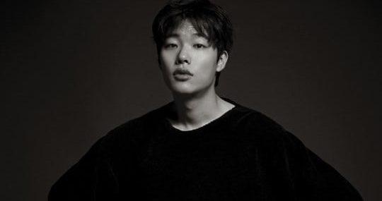 Ryu-Jun-Yeol111