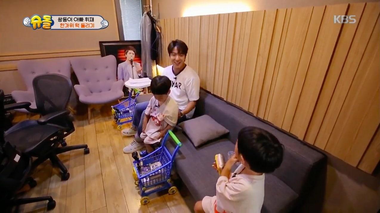 Seo Eon y Seo Jun sorprenden a Jung Yong Hwa de CNBLUE para expresar su gratitud