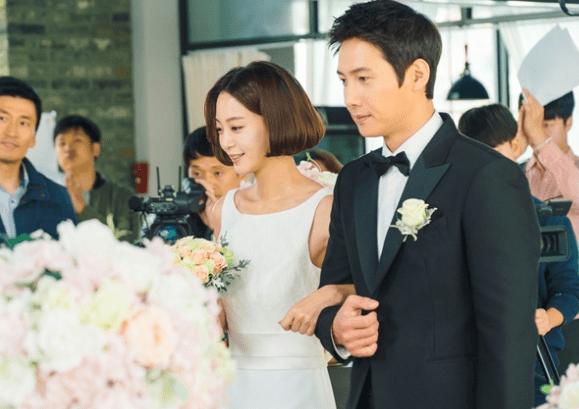 """Han Ye Seul y Kim Ji Suk se acercan el uno al otro en nuevas imágenes de """"20th Century Boy And Girl"""" + imágenes del matrimonio virtual de Sa Jin Jin"""