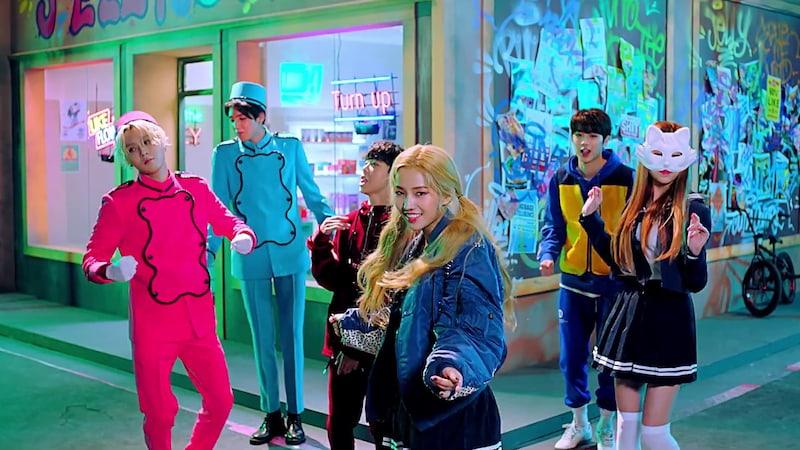 """Jeon Soyeon hace su esperado debut con el MV de """"Jelly"""" en el que podemos ver a varios artistas de Cube"""