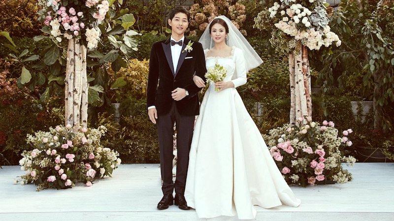 christian dior revela cómo el vestido de novia de song hye kyo fue