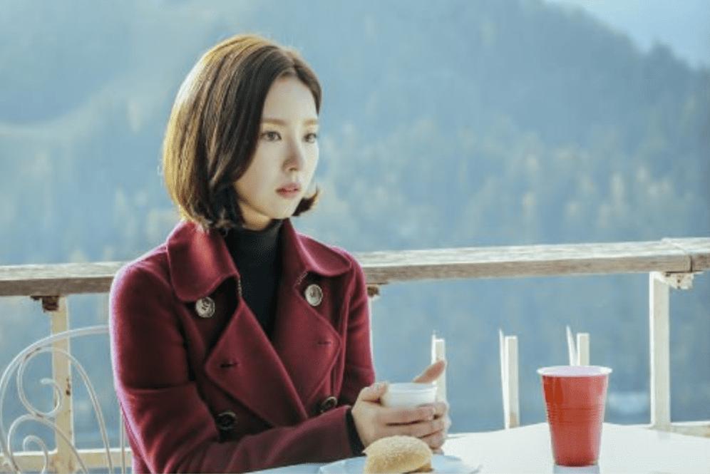 """El próximo drama """"Black Knight"""" revela nuevas fotos cinematográficas de Shin Se Kyung"""
