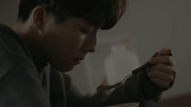 """Yoo Seung Woo no quiere seguir amando en el emocional MV de """"Anymore"""""""