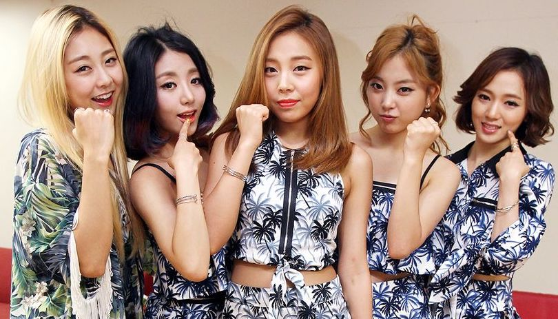 Sojung y Ashley de Ladies' Code muestran su amor por la fallecida integrante EunB en su cumpleaños