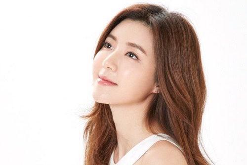 La actriz Park Han Byul anuncia matrimonio y embarazo