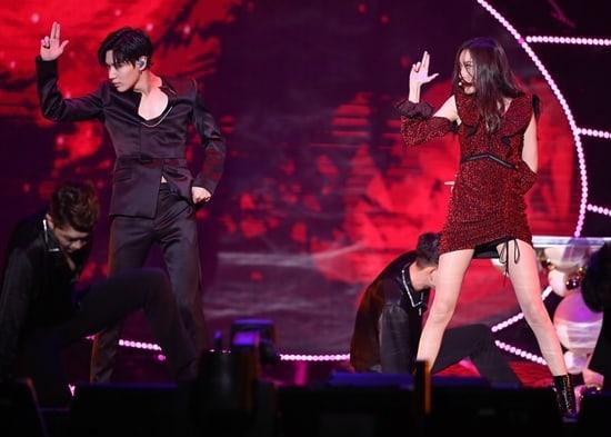 """Taemin de SHINee habla sobre su colaboración con Sunmi en los """"2017 MAMA"""""""