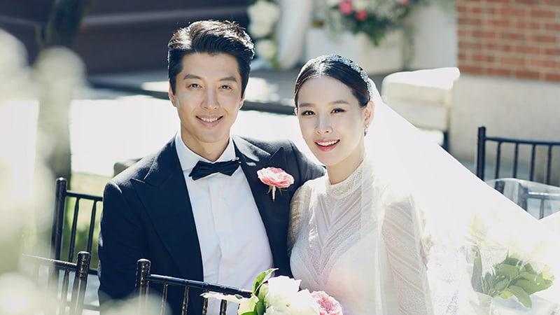 Jo Yoon Hee y Lee Dong Gun dan la bienvenida a su primer hijo