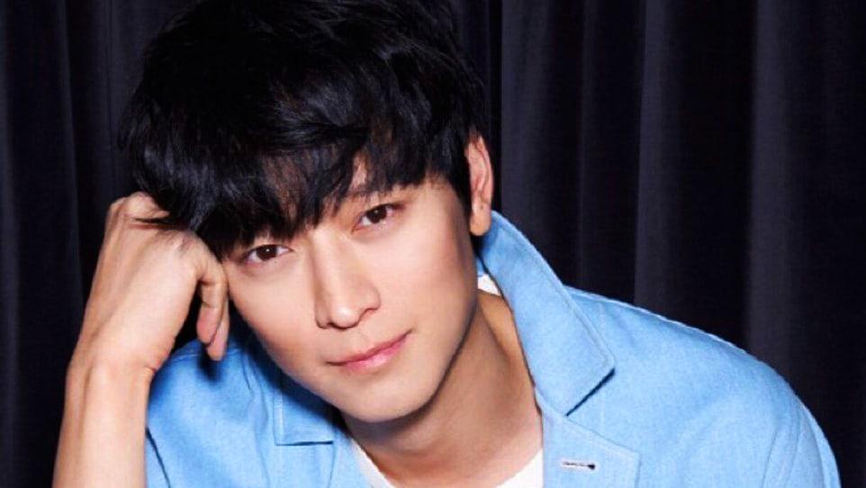 """Kang Dong Won acepta un papel en la próxima película de acción de  Hollywood, """"Tsunami LA""""   Soompi"""