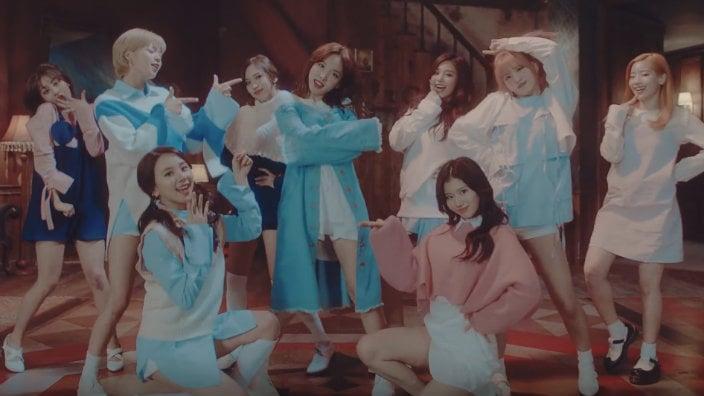 """""""TT"""" de TWICE se convierte en el video musical de un grupo de K-Pop en más rápido alcanzar las 300 millones de vistas"""