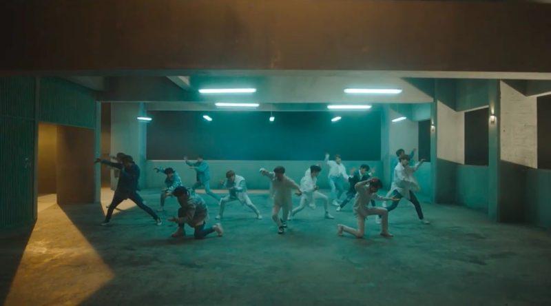 """[Actualizado] SEVENTEEN encanta con una elegante coreografía en un nuevo teaser de """"Thanks"""""""