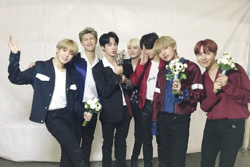 "BTS gana el Gran Premio en el 2do día de los ""32nd Golden Disc Awards"""