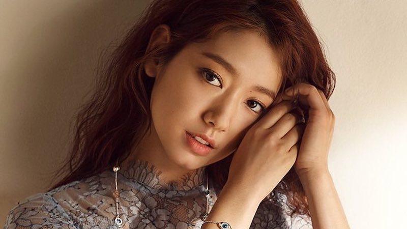 """Park Shin Hye está considerando la oferta de protagonizar el nuevo drama de la escritora de """"Romantic Doctor Kim"""""""