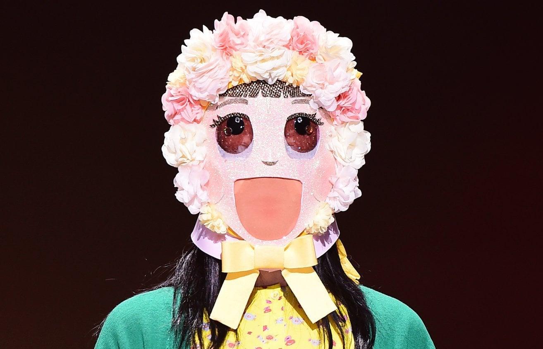 """Anterior miembro de grupo femenino y idol rookie gana confianza con su actuación en """"King Of Masked Singer"""""""