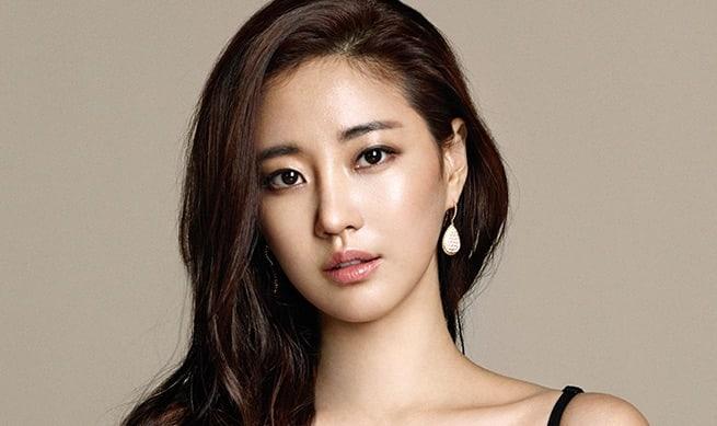 """[Actualizado] La agencia de Kim Sa Rang aclara su salida del drama """"Mr. Sunshine"""""""