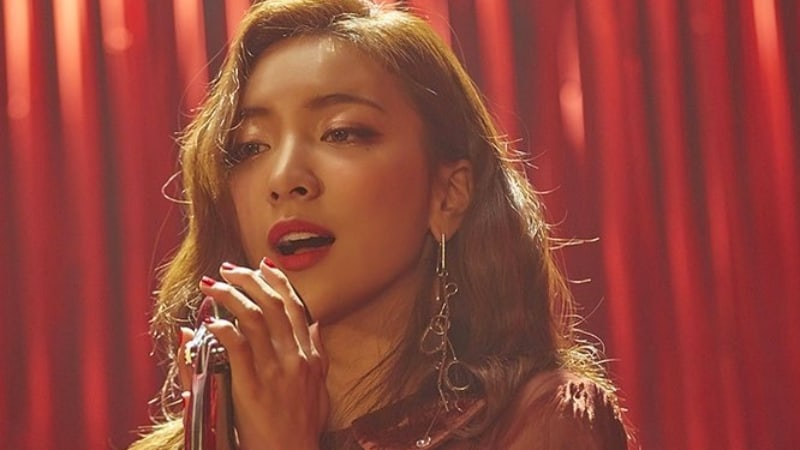 "Luna de f(x) participará en el OST para ""Should We Kiss First?"""