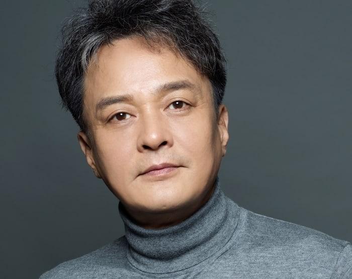 El lado de Jo Min Ki niega la declaración de la universidad sobre presunto acoso sexual