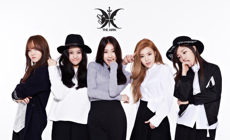 """Las integrantes de The Ark se reúnen para divertirse mientras bailan """"Love Scenario"""" de iKON"""