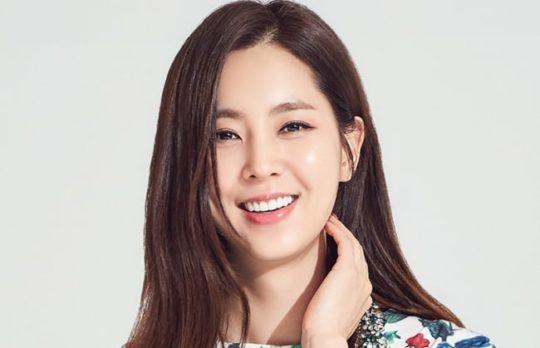 Se confirma que la actriz Han Chae Ah se casa