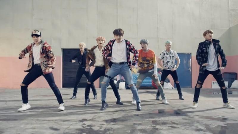 "El video musical de ""Fire"" de BTS llega a los 300 millones de visitas"