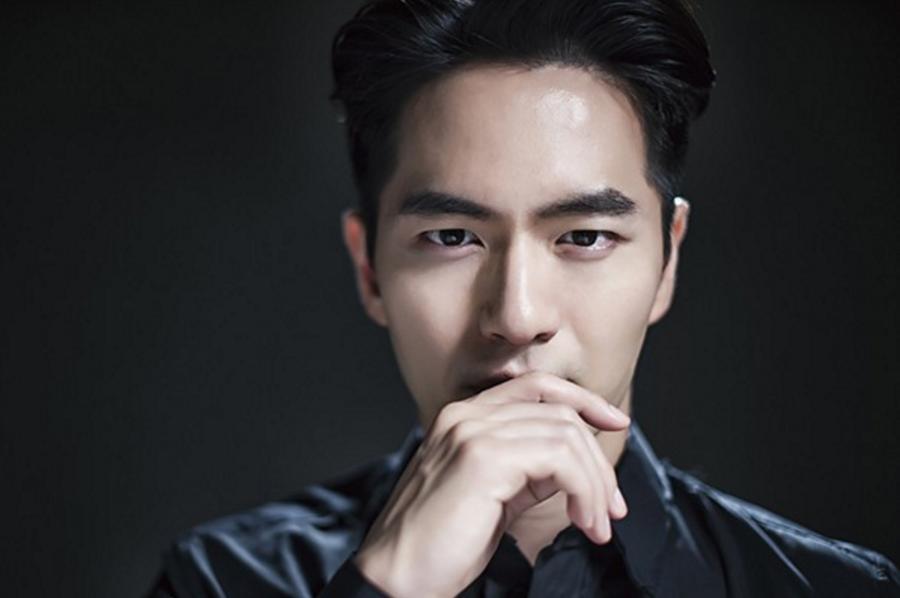 """Lee Jin Wook en conversaciones para protagonizar la 2ª temporada de """"Voice"""""""