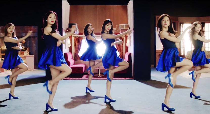 "APRIL canta sobre ""The Blue Bird"" en su MV de regreso"