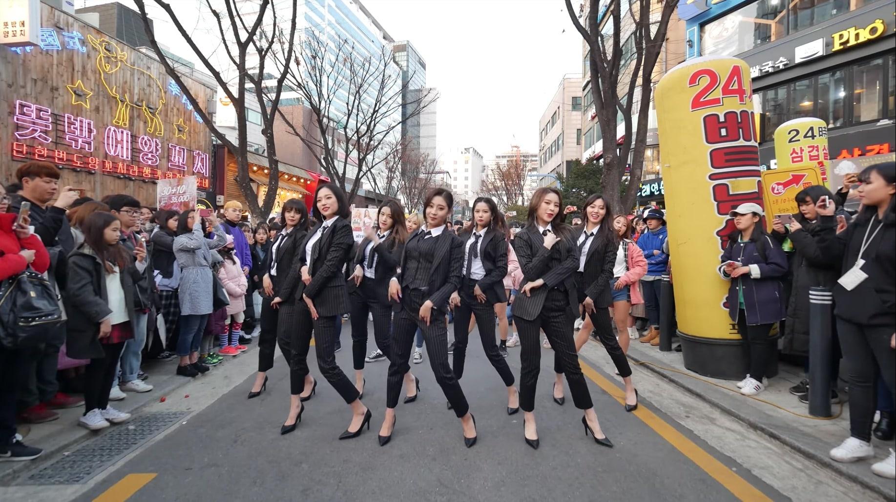 CLC sorprende a un grupo de cover bailando 'Black Dress'