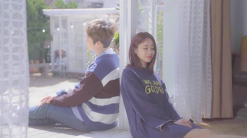 """Kyungri de 9MUSES y Choi Nakta se unen para el romántico video musical de """"Bom Bom"""""""