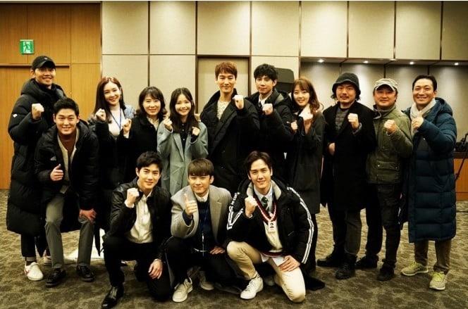 """Suho de EXO, Ha Yeon Soo y más, asisten a la ceremonia para desear buena suerte por """"Rich Man, Poor Woman"""""""