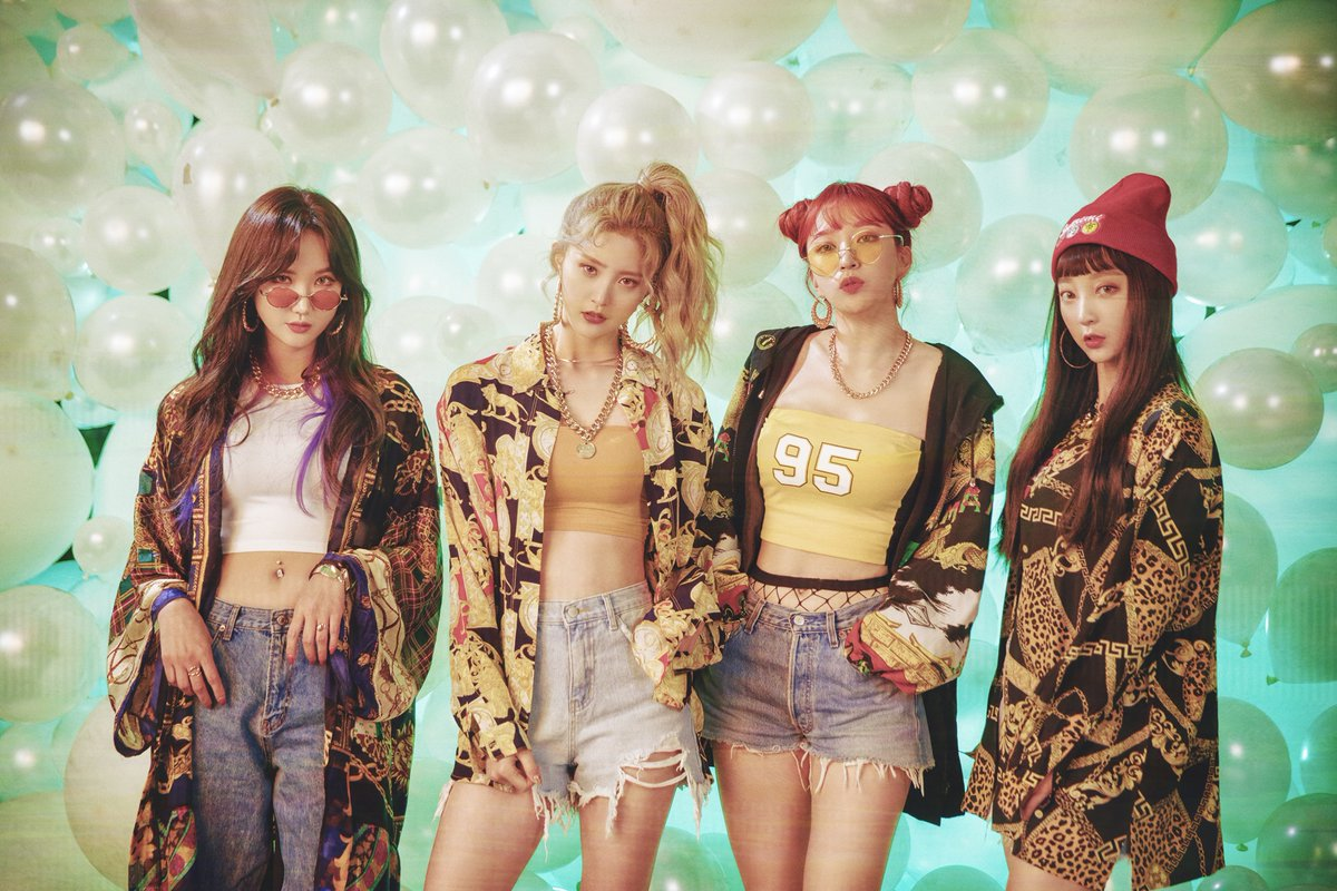 """[Actualizado] EXID va por un aspecto retro en fotos detrás de cámaras del MV para """"Lady"""""""