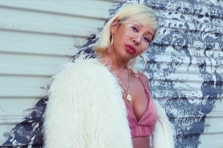 """Jessi y Flowsik son """"All I Need"""" en el MV de su ardiente colaboración"""