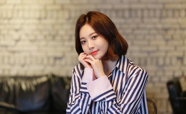 """Yura habla sobre su estrecha amistad con sus co-estrellas de """"Radio Romance"""""""