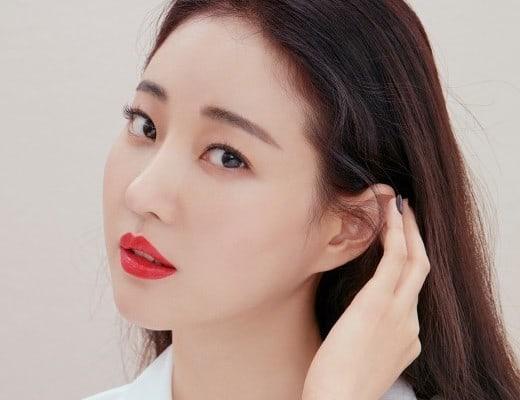 La actriz Kim Sa Rang sufre lesión en la pierna en Italia