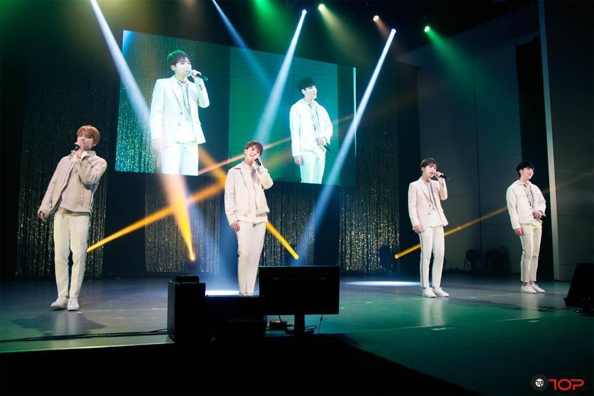 100% recuerda y celebra la vida del líder Minwoo en recientes conciertos japoneses